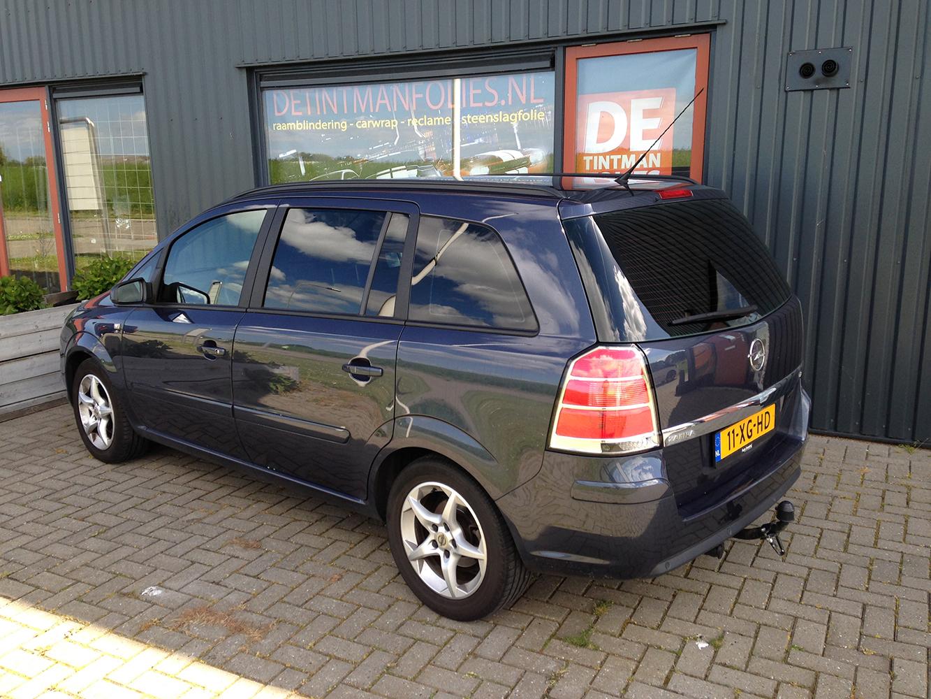 Opel Zafira na blindering ramen 02